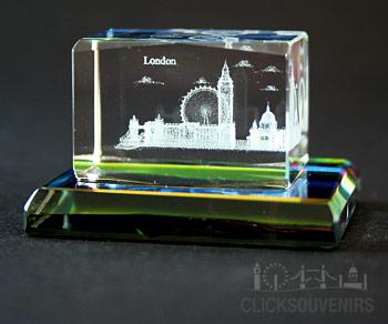 2 x 3 cm London Multiscene Crystal with Glass Base