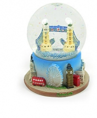 Resin Tower Bridge Snowstorm Globe