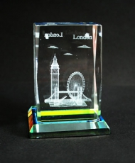 London Souvenir Crystal with Glass Base 4.5 x 3 cm