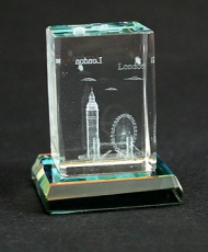2 x 3 cm London Crystal with Glass Base